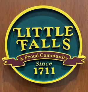 Carousel image a6462be613c2293a5ee6 little falls seal