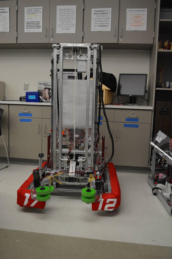 LMHS Robot Everest.jpg