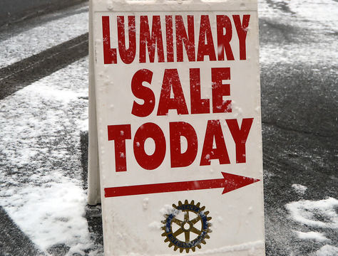 Top story 84b100069cb90ab17aca luminary sale sign