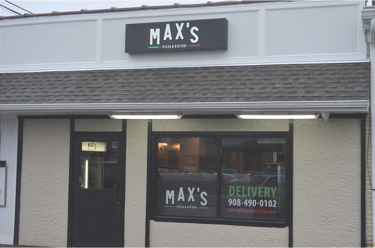 Max's Pizza & Bistro in Scotch Plains.png