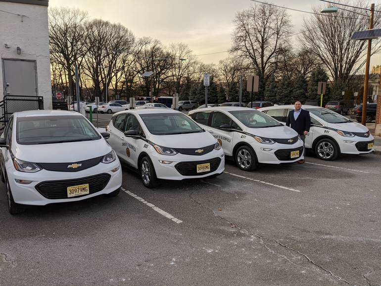 Mayor Venezia and new electric fleet.jpg