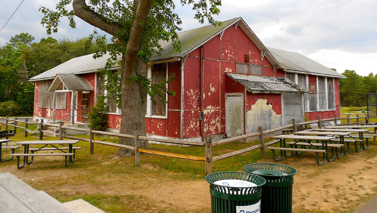 ManitouSchoolhouse.png