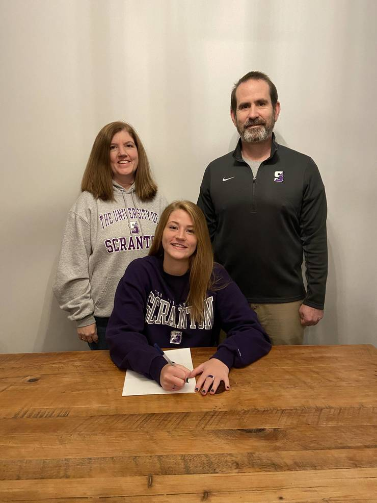 Maddie Hartnett, Basketball, Division III, University of Scranton.jpg