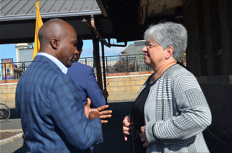Mayor Mapp and Commissioner of State DOT at NJ Transit event 10-13-19.png