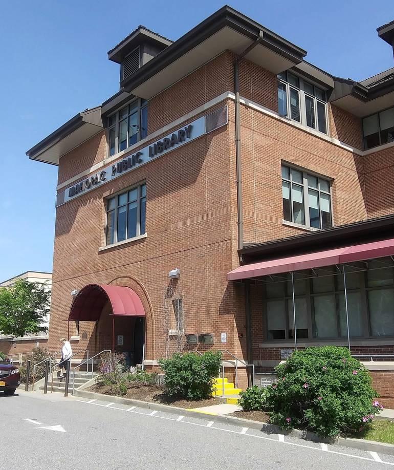 Mahopac Public Library.jpg