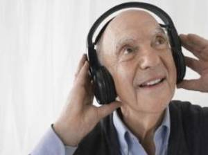 Carousel image 10a6aa356b279cc3e9c0 man with headphones 2