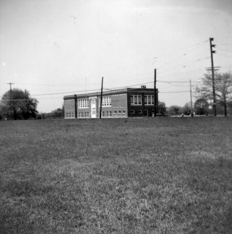 McGinnis School - May 1963.jpg
