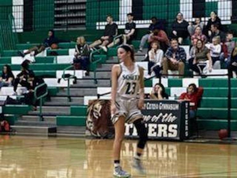SPHS Girls Basketball Hoping Youth Shines Through in 2021