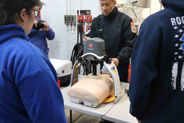 Members-of-the-Rockaway-Neck-First-Aid-Squad-show-the-use-of-the-Lucas-3....jpg