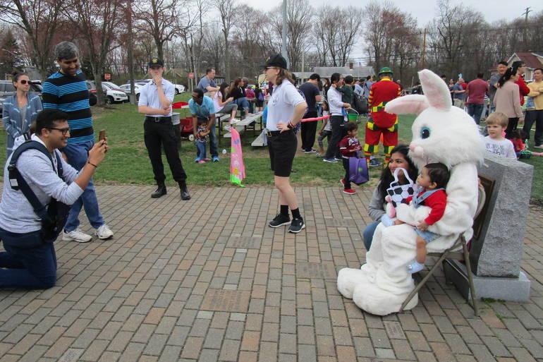 MEH=easter bunny.JPG