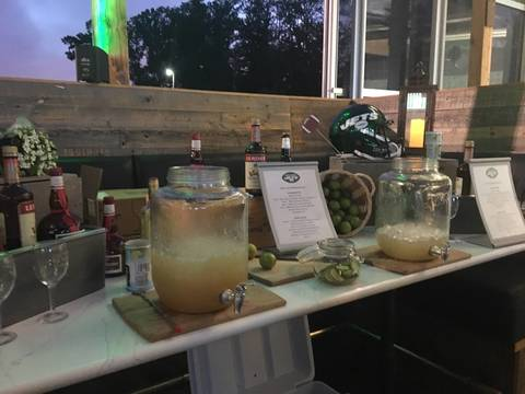 Top story 11aaa29d9dae0a622f47 metlife margarita mixology station