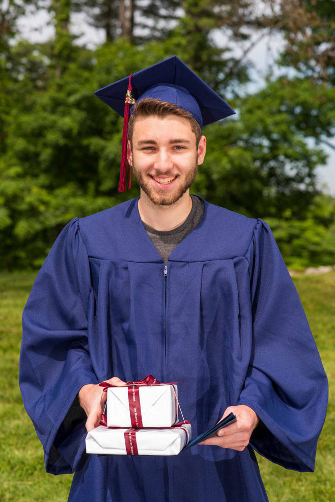 Two Area Residents Win Commencement Awards for Music at Harvey