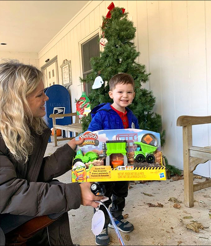 Top story af38ca64b0e459529b46 miles toy donation 2019