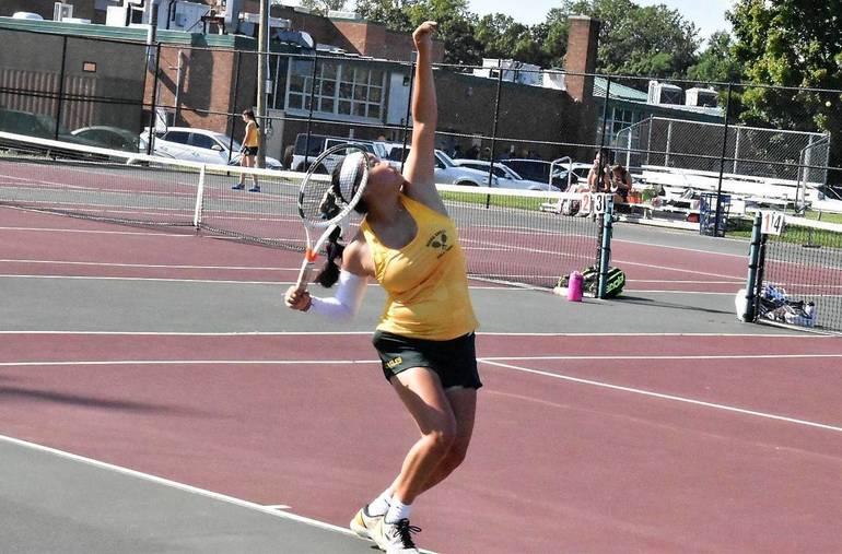 MKHS Tennis.Skylar 01.JPG