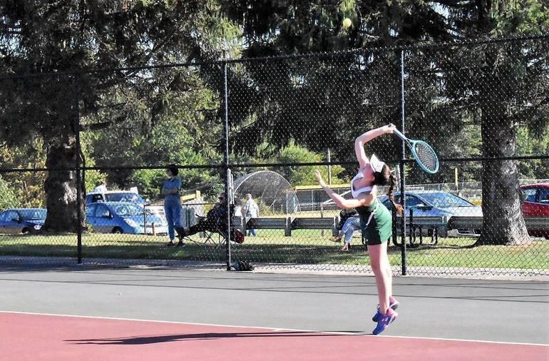 MKHS Tennis.Lily Katzav 03.JPG