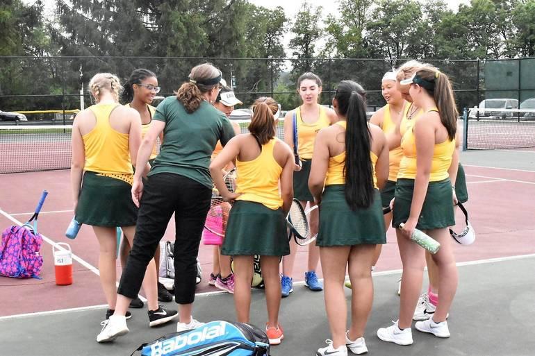 MKHS Tennis.Team Shot 01.JPG