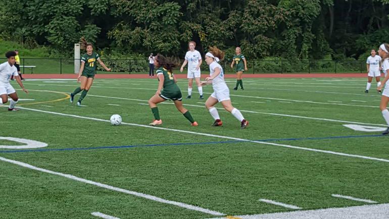 MKHS Girls Soccer 01.09152018.jpg