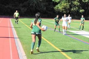 Carousel image ff50b237dd9d28d409c6 mkhs girls soccer 09172019.04