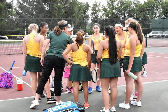 Top story cf3f8db61d9a295885a7 mkhs tennis.team shot 02