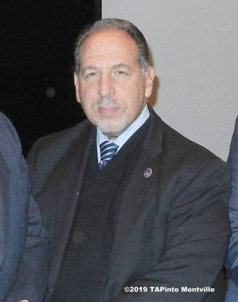 Morris County Prosecutor Fredric M. Knapp.JPG