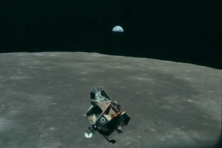 Moon - The Eagle space module - NASA.png