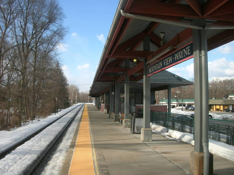 Mountain_View_Station.jpg