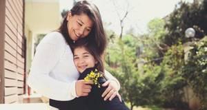 Carousel image c340bfa0d783829c53c3 mother s day hug