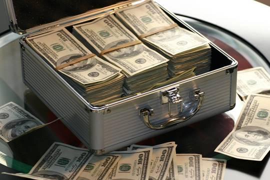 Top story 375091e30cda56d49ddf money 1428587 1920