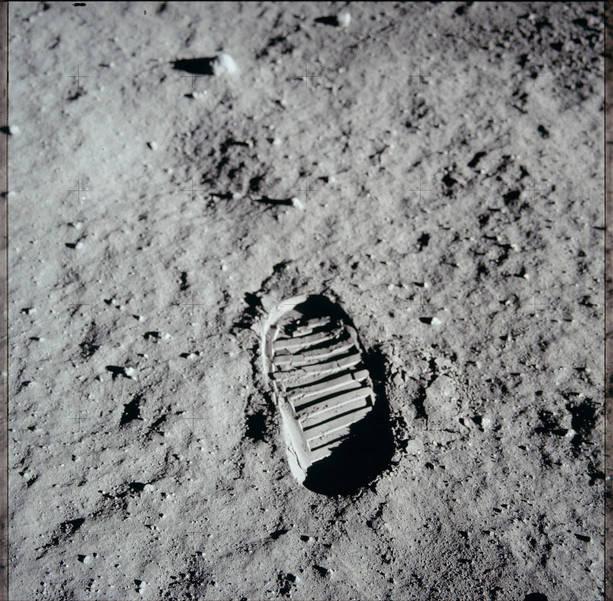 NASA Moon image - footprint.jpg