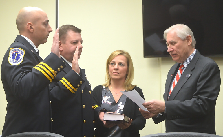 New SPFD Battalion Chiefs take oath 2-19-19.png