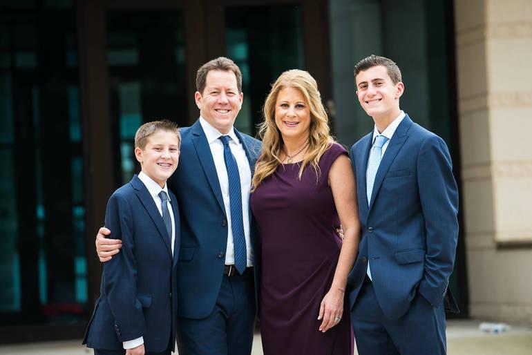 Neal Goldstein family.jpg