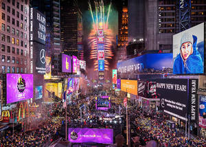 Carousel_image_97f3985223a7de9ae529_new_year_s_eve_photo_credit_photo_-_countdown_entertainment__llc