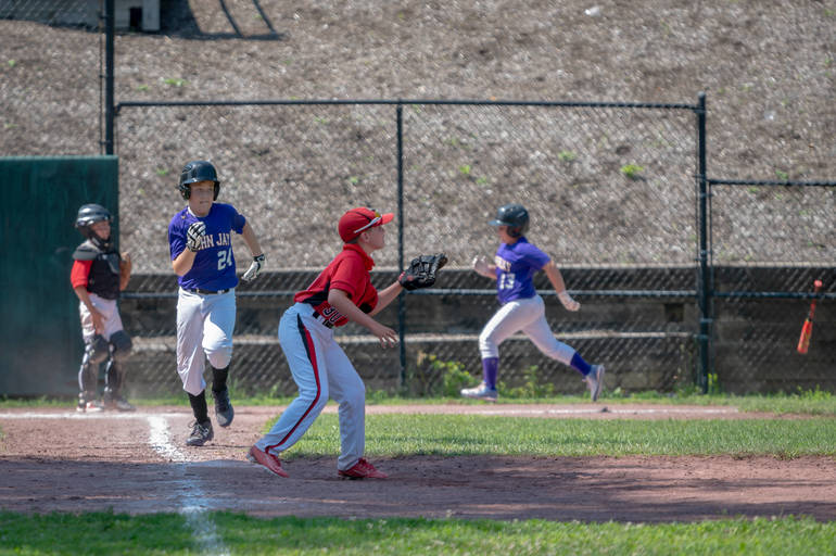 Nicholas Morales protects first base.JPG