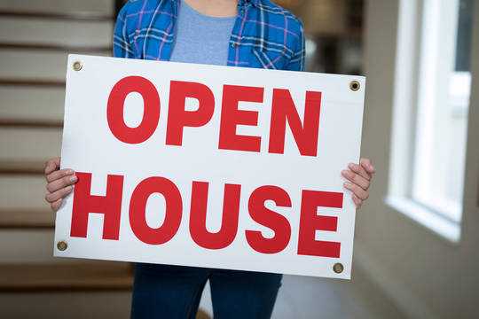 Top story b915e58f0ad1f7df07b6 open house sign