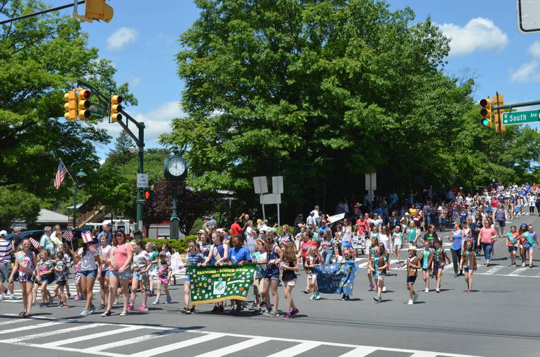 Parade enters downtown Fanwood.JPG