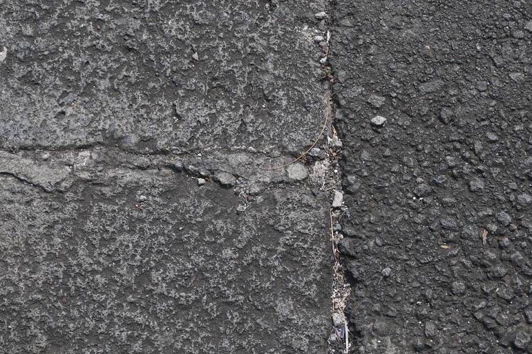 pavement-907143_1920.jpg