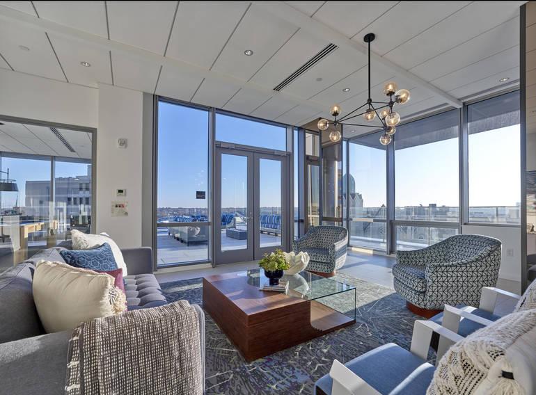 Penthouse Resident Lounge (1).jpg