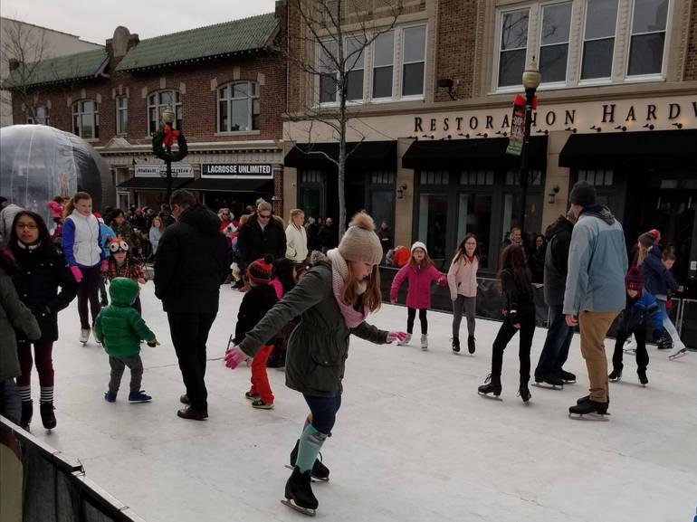 People skating.jpg
