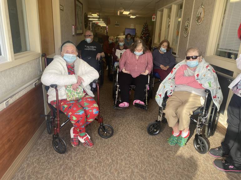 Traveling Carolers Bring Holiday Joy to Residents at Autumn Lake Healthcare at Berkeley Heights