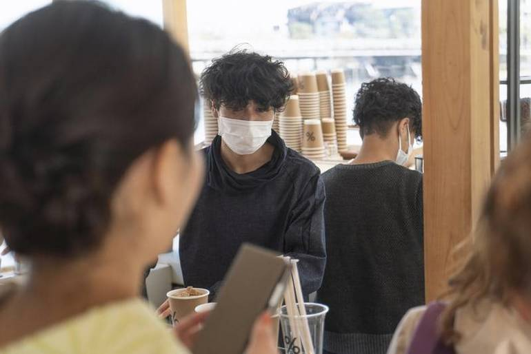 Murphy: Restaurant and Retail Workers, Required to Wear Masks, Have Daily Temperature Checks