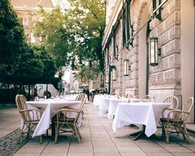 Restaurants can Keep Expansion of Outdoor Dining For Now.