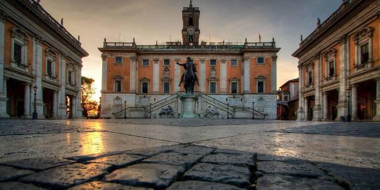 piazza-del-campidoglio-dawn.-toppic.jpg