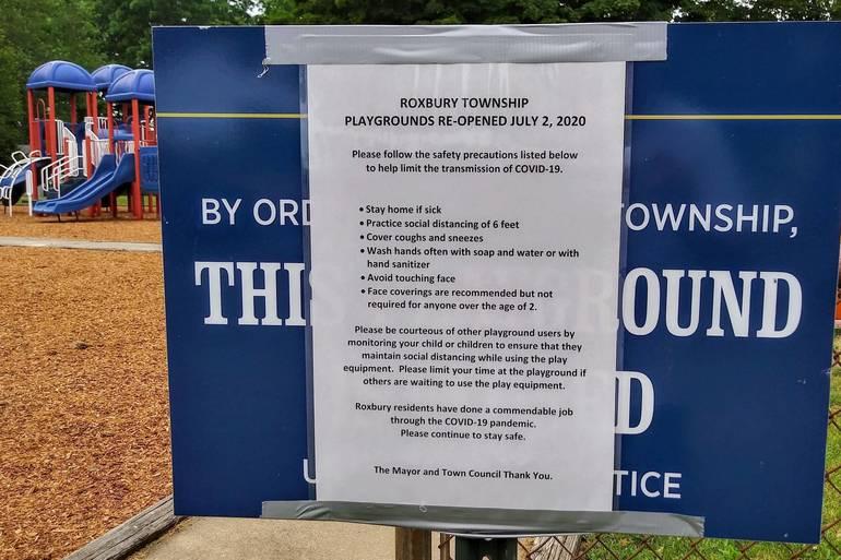 playground sign.jpg