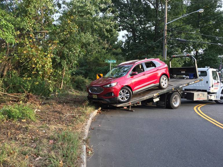 Plainfield Ave Crash 2.jpeg