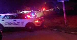 Carousel image 0e889743e83e8d15d251 police shooting