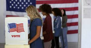 Carousel image 36c3a6867555eaad520f poll workers shutterstock 1740697532
