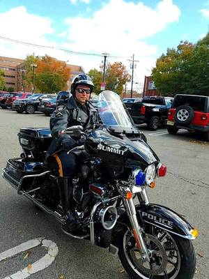 Carousel image b70c9f6412c94a017469 police motorcycle rider
