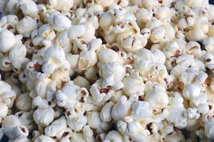 Carousel_image_e40ccf0d4d64558387e3_popcorn-1198274_1920