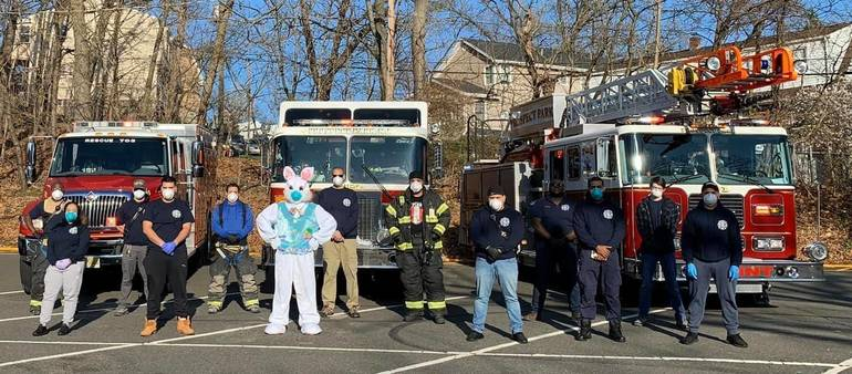 Easter Bunny Drive-By Held in Hawthorne and Prospect Park