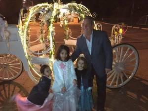 Carousel_image_a77c82817cec37124d2f_princess_ball_2018_r